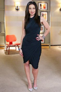 I love this wrap dress Stacy London wears. She's my style icon. <3
