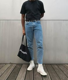 Creating the Men Minimalist Fashion Wardrobe Retro Outfits, Vintage Outfits, Casual Outfits, Fashion Outfits, 80s Fashion Men, Fashionable Outfits, Hipster Fashion, Casual Jeans, Petite Fashion