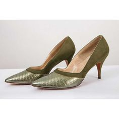 4c95f2265d8 Vintage stiletto heels   1960s Olive green pointed toe spike heels 6
