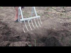 чудо вилы (чудо лопата) 7 зубьев - YouTube Farm Tools, Garden Tools, Digging Tools, Machinist Tools, Farm Gardens, Country Living, Woodworking, Long Hair Styles, Wood Work