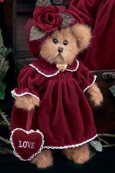 Lacy Loves A lot ~ Bearington teddy bear in burgundy