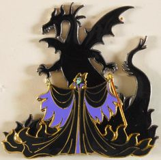 I will never forget the night I got this pin. Disney Divas Event - October One of the best Disney events I have ever been to. Disney Time, Disney Fun, Disney Magic, Disney Pins Sets, Disney Trading Pins, Sleeping Beauty 1959, Disney Sleeping Beauty, Collection Disney, Pin Collection