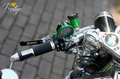 Emerald Sentinel Thunderbird 900 - RocketGarage - Cafe Racer Magazine