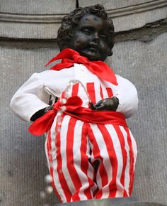 Today the Manneken-Pis has been in Monaco, this little fella is a great traveler! Have you ever seen him wearing one of his costumes? Pic by Krek