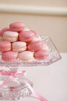 Escolha os docinhos de casamento de acordo com as 6 tendências de 2016! Naked Cakes, Girls Tea Party, Champagne Party, Gold Birthday Party, Meringue Cookies, Dessert Buffet, Candy Party, Cupcakes, Chocolate Ganache