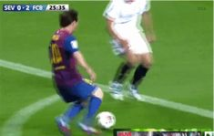 Because being the best soccer player in the planet is not enough for him. Messi Gif, Lionel Messi, Good Soccer Players, Football Players, Gym Workout Videos, Gym Workouts, Messi Videos, Football Motivation, Soccer Gifs