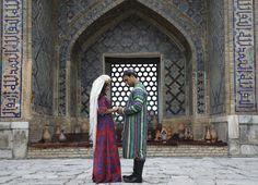 Arkasına tarihi Registan meydanını alan Semerkant, adeta yıllara meydana okuyor.