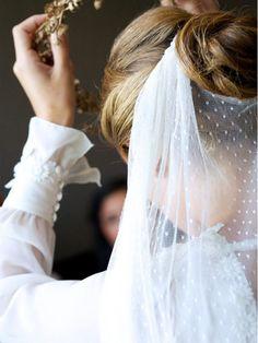 Voile de mariée plumeti et chignon