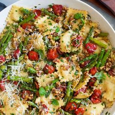 Ravioli with Tomatoes Asparagus Garlic and Herbs with Refrigerated Four Cheese Ravioli Olive Oil Butter Asparagus Grape Tomatoes Garlic Cloves Balsamic Vinegar Fisher Wal. Herb Recipes, Pasta Recipes, Dinner Recipes, Cooking Recipes, Dessert Recipes, Quick Dessert, Recipes With Ravioli, Ravioli Dinner Ideas, Four Cheese Ravioli Recipe