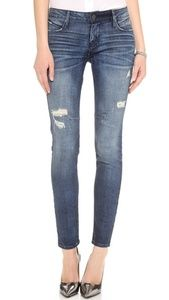 Nordstrom Skinny Jeans from RtA // Hukk to find out when it goes on sale! #hukkster #RtA #Nordstrom #denim