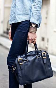 Blogger Fashion: Monochrome | Moi Contre La VieMoi Contre La Vie Monochrome, Denim Bag, Jean Outfits, Girls Shopping, Two By Two, Street Style, San Francisco, Bags, Fashion
