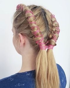 Już za chwilę na YT! Przyda Wam się na majówkowe koncerty i szaleństwa pod gołym niebem  Youtube.com/hairbyjul  . . . #hairbyjul #pipebraids #pipebraid #coachellahair #festivalhair #coachella #blonde #boho #braids #braid #braidslove #hairart #hairstylist  #ilovemyjob #art #fashion #hairstyleconfessions