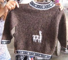 Dunkelbrauner #Kinder #Pullover mit Alpaka Muster, naturbelassene #Alpakawolle, 2-5 Jahren Inka, Peru, Diy And Crafts, Boys, Sweaters, Craft Ideas, Fashion, Mens Fashion Sweaters, Fancy Clothes