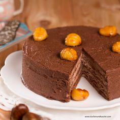 Kastanien-Torte mit Rotwein Cakes And More, Strudel, Desserts, Food, Deserts, Cake Ideas, Dessert Ideas, Tailgate Desserts, Essen