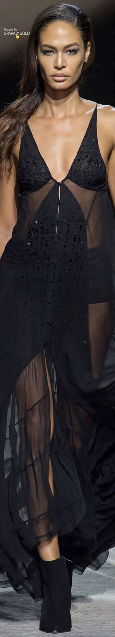 Topshop Unique Spring 2018 RTW Couture Fashion, Runway Fashion, Fashion Models, Womens Fashion, Absolut Black, Latina Models, Black Wardrobe, Topshop Unique, Joan Smalls