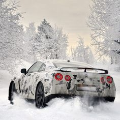 Camo GT-R having fun in the snow