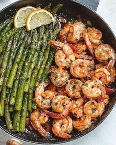Lemon Garlic Butter Shrimp with Asparagus - So much flavor and so easy to throw together, this shrimp dinner is a winner! : Lemon Garlic Butter Shrimp with Asparagus - So much flavor and so easy to throw together, this shrimp dinner is a winner! Healthy Dinner Recipes, New Recipes, Cooking Recipes, Easy Shrimp Recipes, Shrimp Dinner Recipes, Shrimp Meals, Garlic Shrimp Recipes, Cooking Games, Cooking Steak