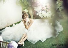 Korean Wedding Studio Photography: Floral Set by Roi Studio on OneThreeOneFour 1