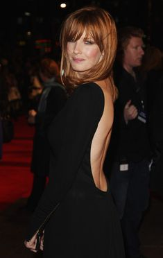 """Kelly Reilly Photos - Actress Kelly Reilly arrives at the UK film premiere of """"Me & Orson Welles"""" at the Vue West End on November 2009 in London, England. - Me & Orson Welles - UK Film Premiere - Arrivals Redhead Hairstyles, Bob Hairstyles For Fine Hair, Hairstyle Men, Kelly Riley, Jessica Kelly, Elodie Frégé, Bob Wedding Hairstyles, Actrices Sexy, Leicester"""