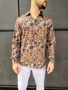 Una camicia di stile unico, particolare, alla Carl Brave!! Eccola la nostra camicia in 100% cotone MADE IN ITALY.  Flag Store, Brave, Shirt Dress, Mens Tops, Shirts, Dresses, Fashion, Fantasy, Vestidos
