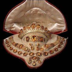 Výsledek obrázku pro Reza Diamond necklace