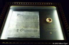 Copy of the Royal Marriage Contract between Kateryn Parr and Henry VIII-First floor gallery, Hampton Court Palace. Uk History, Tudor History, British History, Wives Of Henry Viii, King Henry Viii, Anne Of Cleves, Anne Boleyn, Katharina Von Aragon, James Park