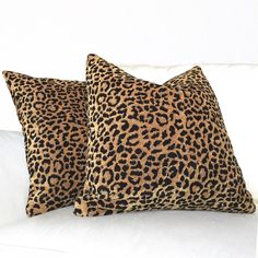 Funky home decor ideas for a funky decorating , image ref 6281142338 - Really smashing inspirations to establish a wonderfully stunning and impressive area. This brilliant funky home decor ideas pillows Ideas pinned on this day 20181224 Black Pillows, Gold Pillows, Throw Pillows, Master Suite Bedroom, Guest Bedroom Office, Butterfly Bedroom, Living Room Decor Pillows, Bedroom Decor, Funky Home Decor