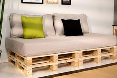 Pallet Furniture Diy Couch Cushions Living Rooms 43 New Ideas Diy Pallet Sofa, Diy Couch, Couch Cushions, Diy Pallet Furniture, Diy Pallet Projects, Cool Diy Projects, Furniture Projects, Bedroom Furniture, Home Furniture