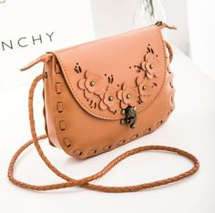 B68020 Price 163.000 IDR  Style: Shoulder bag/Handbag Colour: Brown Material: PU leather PU features: soft surface Bag Feature: buckle Handle Type: Single Height: 19 cm Length: 24 cm Depth:  5 cm Weight: 240g