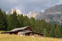 The Dolomites (Ladin: Dolomites; Venetian: Dołomiti: Friulian: Dolomitis) are a mountain range located in north-eastern Italy. Mountain Range, Venetian, German, Italy, Mountains, Nature, Photography, Travel, Deutsch