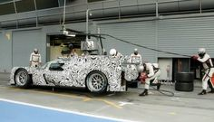 Porsche Demonstrates The Art Of Pit Stops Using Its 919 Hybrid: Video