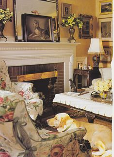 Cottage room with amaryllis bulbs on the mantel | LIVING ROOMS ...