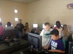 Hawes and Kozal's class working together in Tech Lab