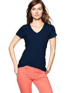 Great Gap v-neck with a good fit, nice weight and it's all cotton!