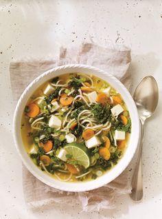 Après avoir passé du bon temps dehors, rien de mieux qu'un bon bol de soupe chaude. Voici 7 délicieuses soupes qui réchauffent le coeur en hiver.