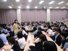2016年7月11日、Kokoroの訪問授業「ハンナのかばん」1000回目を東京純心女子高校で実施しました。1年生の皆さん、素晴らしい感想をたくさんおくってくれました。「思いをめぐらせることができる心」をこれからも育んでいきたいです。 http://www.npokokoro.com/1000-1
