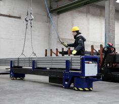 M8 Zallys, Elektrická Ručne Vedená Platforma Pre Prepravu Oceľových Týči A Potrubie. Dvě verzie: max. 4m; max. 6m. Plošina M8 môže byť použitá pre menej náročné aplikácie vyžadujúce ťahanie nákladov alebo na prepravu oceľových tyčí a potrubia. Rýchlost' - 4km/h; Nosnost' platformy 3 000 kg (4 000kg na požiadanie); Max. Sklon 15%. Vyrobené v Taliansku. Wrestling, Crane Car, Lucha Libre