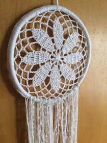 Mandalas . Atrapasueños . Tejidos Crochet - $ 190,00 Filet Crochet, Knit Crochet, Crochet Dreamcatcher, Bohemian Pattern, Doilies, Crochet Projects, Dream Catcher, Diy And Crafts, Projects To Try