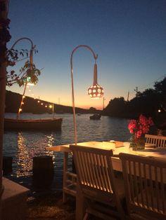 Gümüşlük - BODRUM -TURKEY Beautiful Places To Travel, Best Places To Travel, Places To Visit, Night Picnic, Turkey Destinations, Paradise On Earth, Turkey Travel, Istanbul Turkey, Travel Aesthetic