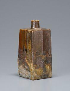 Ken Matsuzaki (1950 - ) vase, yohen shino gold glaze
