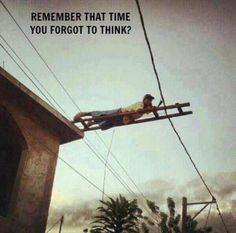 When did you last time do something funny and stupid? Here are the bunch of people doing funny and stupid things. They either have no idea what would happen Frases Humor, Safety Fail, Darwin Awards, Picture Fails, Natural Selection, Stupid People, Stupid Things, Stupid Stuff, Live Long