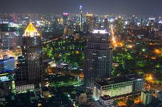 Dúvidas Laos, Vietnã e Tailândia. -- Pessoal... estou programando para janeiro uma viagem de três semanas por Laos, Vietnã e Tailândia. Queria saber se alguém já foi para esse lugares, se é difícil viajar sozinha por lá. A viagem é bem longa, queria saber quais companhias aéreas vocês utilizaram.