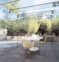 The new cubism: An innovative London architect is changing the face of the suburban extension Garden Room, Sloped Garden, Glass Extension, Glass Room, Modern Outdoor, Exterior Design, Cheap Pergola, Garden Styles, House Extension Design