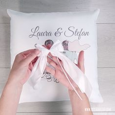 Quick but original DIY wedding gift Idea: Simple but individual - a . - Quick but original DIY wedding gift Idea: Simple but individual – a pillow that is personalized w - Coworker Birthday Gifts, Birthday Gifts For Boys, Diy Birthday, Small Wedding Receptions, Inexpensive Wedding Venues, Inexpensive Birthday Gifts, Diy Wedding Gifts, Pregnant Wedding, Wedding Insurance