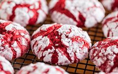 The holidays are right around the corner, which means it's cookie exchange season! These Red Velvet Crinkle Cookies will be the first to go! Crinkle Cookies Cake Mix, Red Velvet Crinkle Cookies, Gooey Butter Cookies, Red Velvet Cake Mix, Yummy Cookies, Cake Cookies, Cupcakes, Red Velvet Crinkles, Red Velvet Recipes