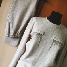 Our goal is to keep old friends, ex-classmates, neighbors and colleagues in touch. Sport Outfits, Trendy Outfits, Cute Outfits, Sport Fashion, Womens Fashion, Mode Jeans, Sport Chic, Mode Hijab, Western Shirts