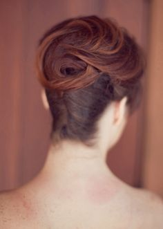 1950's Vintage French Twist Updo by Hair Comes the Bride. Vintage Bridal Hair & Make Up Tips {1920s to1950s} | Confetti Daydreams