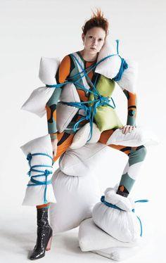 Patrick Demarchelier, Fashion Design Portfolio, Art Textile, How To Have Twins, Textiles, Fall Winter 2015, French Fashion, Vogue Paris, Pullover