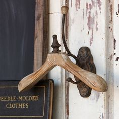 Dressing Wall Hanger Cup Hook Pole Storage - Fixer Upper Style - ET Tobey & Company Antique Farmhouse, Farmhouse Chic, French Farmhouse, Country Farmhouse, French Country, Home Decor Hooks, Wall Decor, Laundry Hanger, Valet Stand