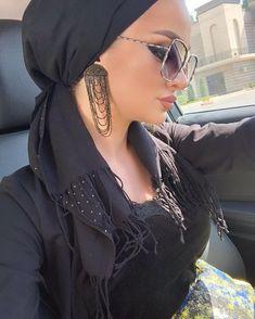 Image may contain: one or more people and closeup Hijab Turban Style, Mode Turban, Muslim Women Fashion, Modern Hijab Fashion, Diana, Hair Wrap Scarf, Hijab Style Tutorial, Casual Hijab Outfit, Girl Hijab